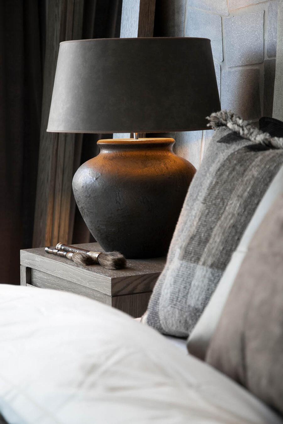 Miljöbild Modena bordslampa, Classic taupe lampskärm från artwood