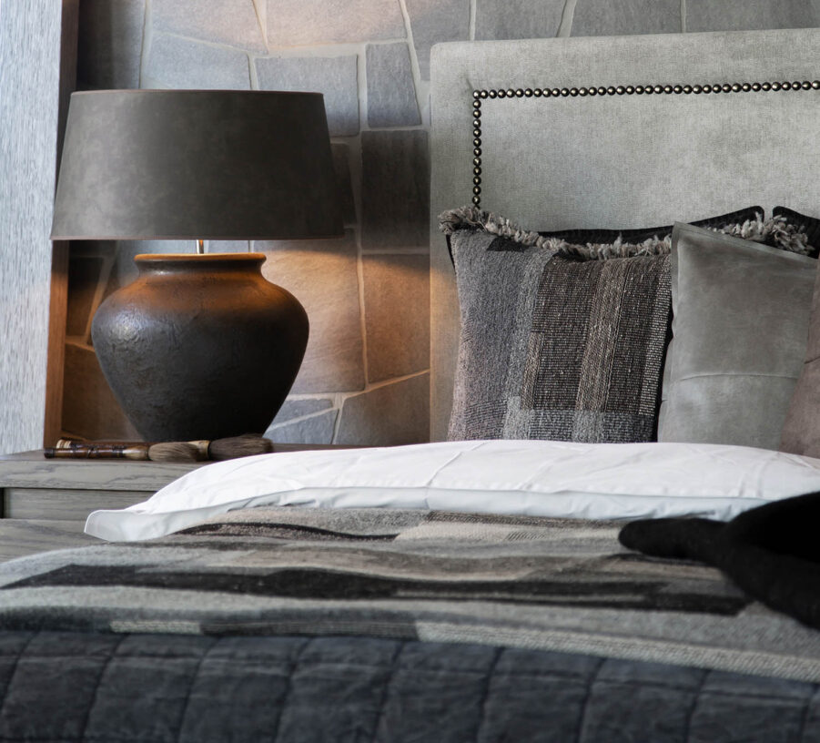 Miljöbild Modena bordslampa, La rochelle kuddfodral från artwood