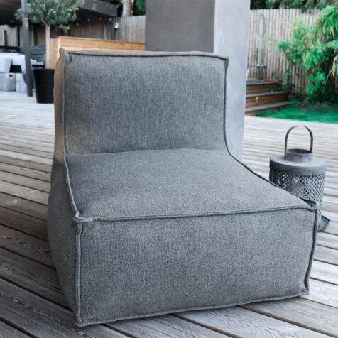 Loungefåtölj puff i silvergrått från Troispommes Home.