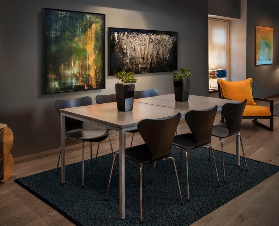 Matbord i betong med två skivor från MBJ Design.