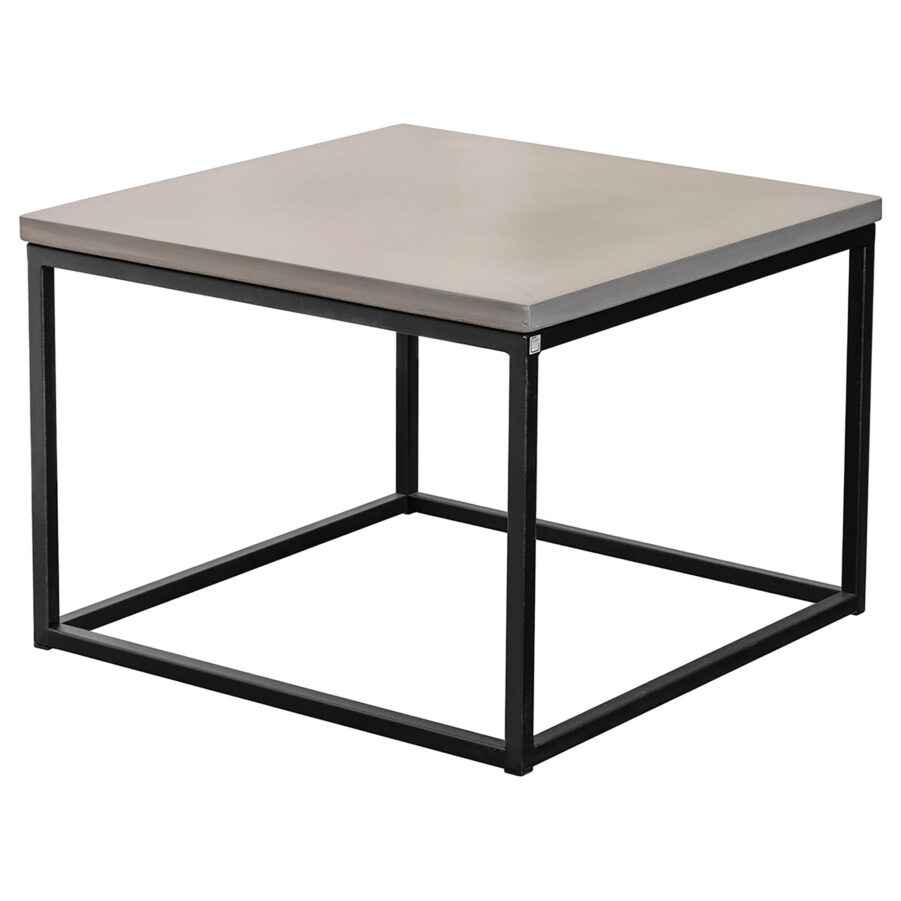 Mystic soffbord i storleken 60x60 cm med kubunderrede i svart.