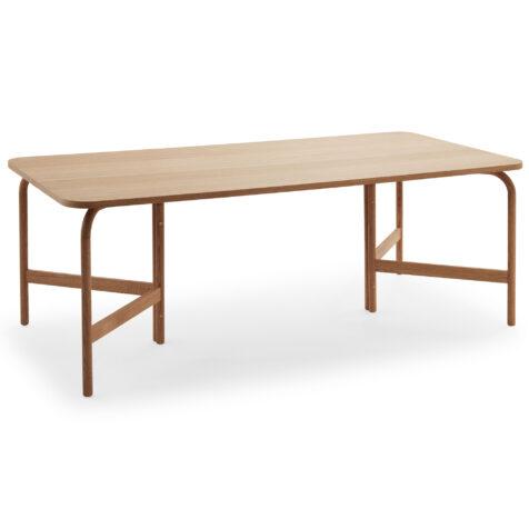 Aldus matbord i oljad ek från Skagerak.