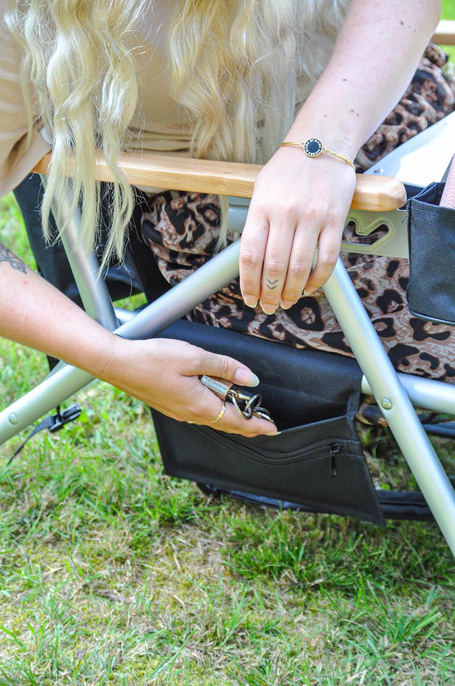 Fritab Roxy friluftsstol med kylbag och mobilficka svart