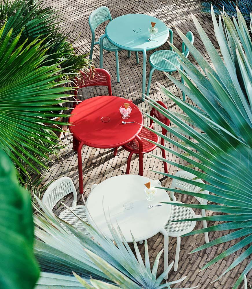 Cafégupper i olika färger i serien Toní från Fatboy-