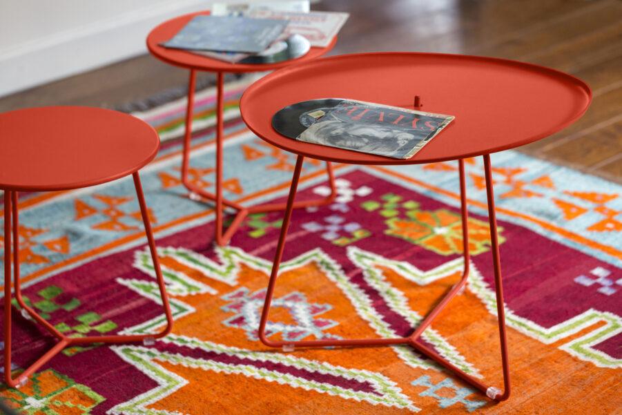 Miljöbild på Cocotte sidiobord i färgen capucine.