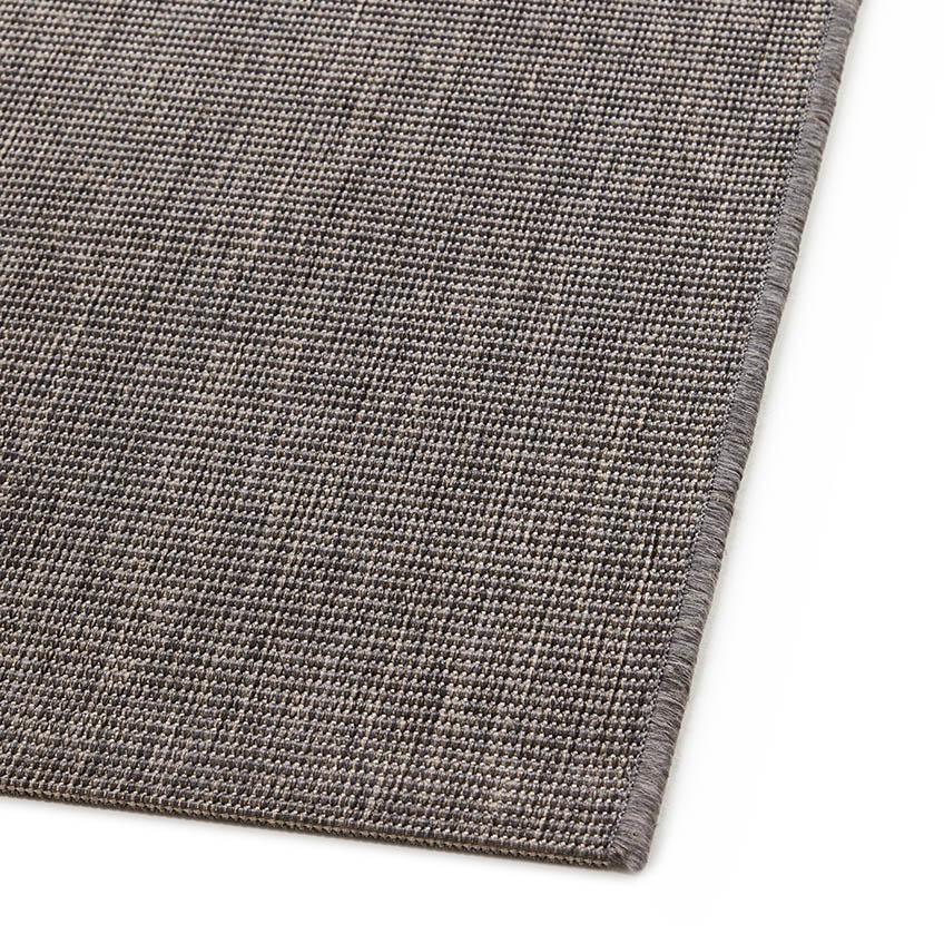 Marsanne matta i enfärgat grått från Lafuma.