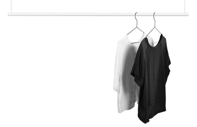 Design Of klädstång i vitt.