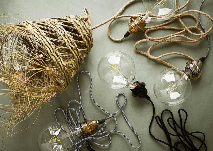 Lamphållare i olika färger från Madam Stoltz.