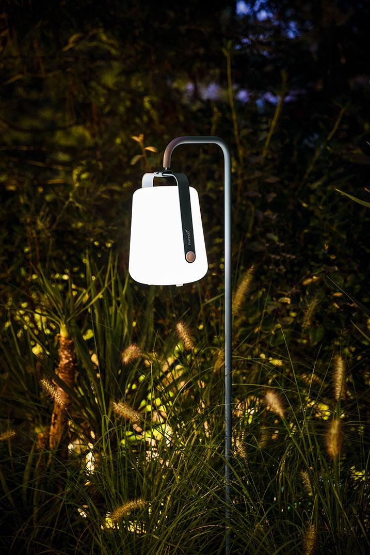Miljöbild på Balad lampa på lampfot.