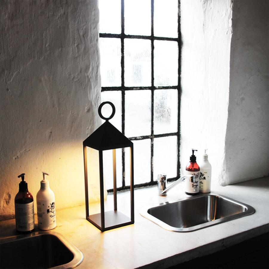Faro 47 lampa i antracitgrå unplugged.