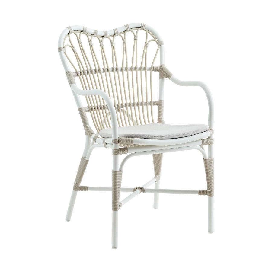 Margret karmstol i vitt med grå dyna.