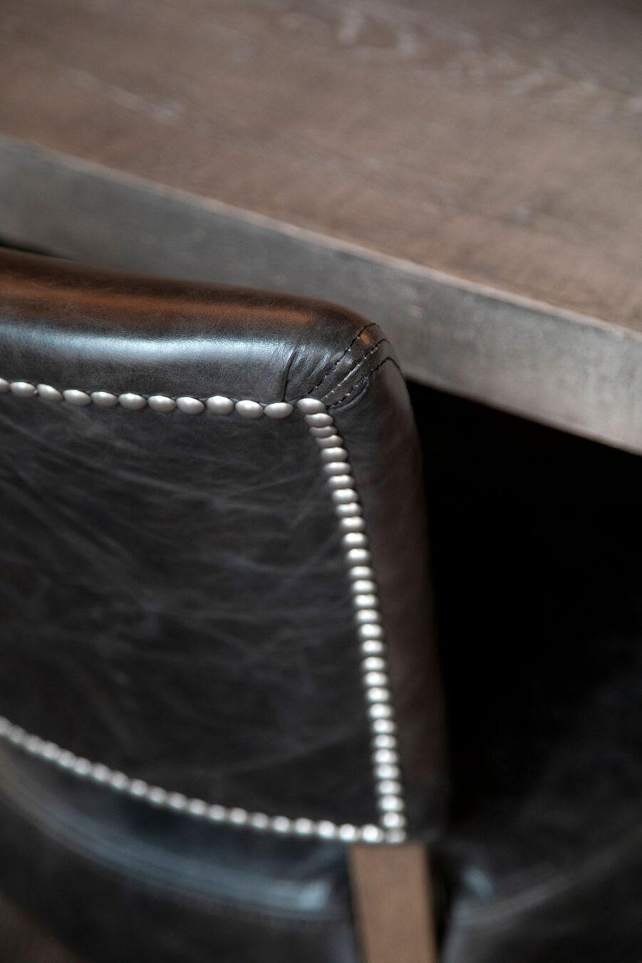 Detaljbild på Mimi stol.