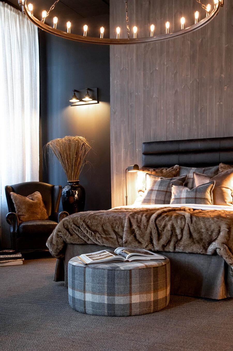 Miljöbild på säng med sänggaveln Lisbon från Artwood.