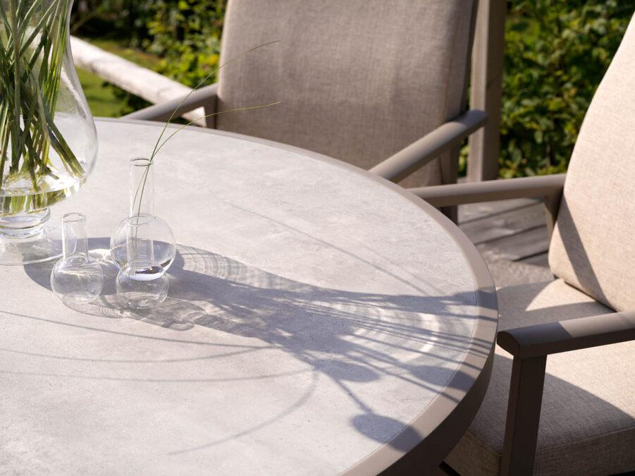 Brafab Samvaro matbord Ø140 cm khaki