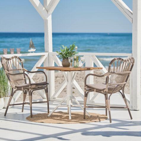 Margret cafégrupp med stolar i färgen moccachinno.