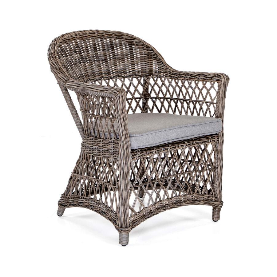 Marienlyst karmstol i drivvedsfärgad konstrotting med brun sittdyna.