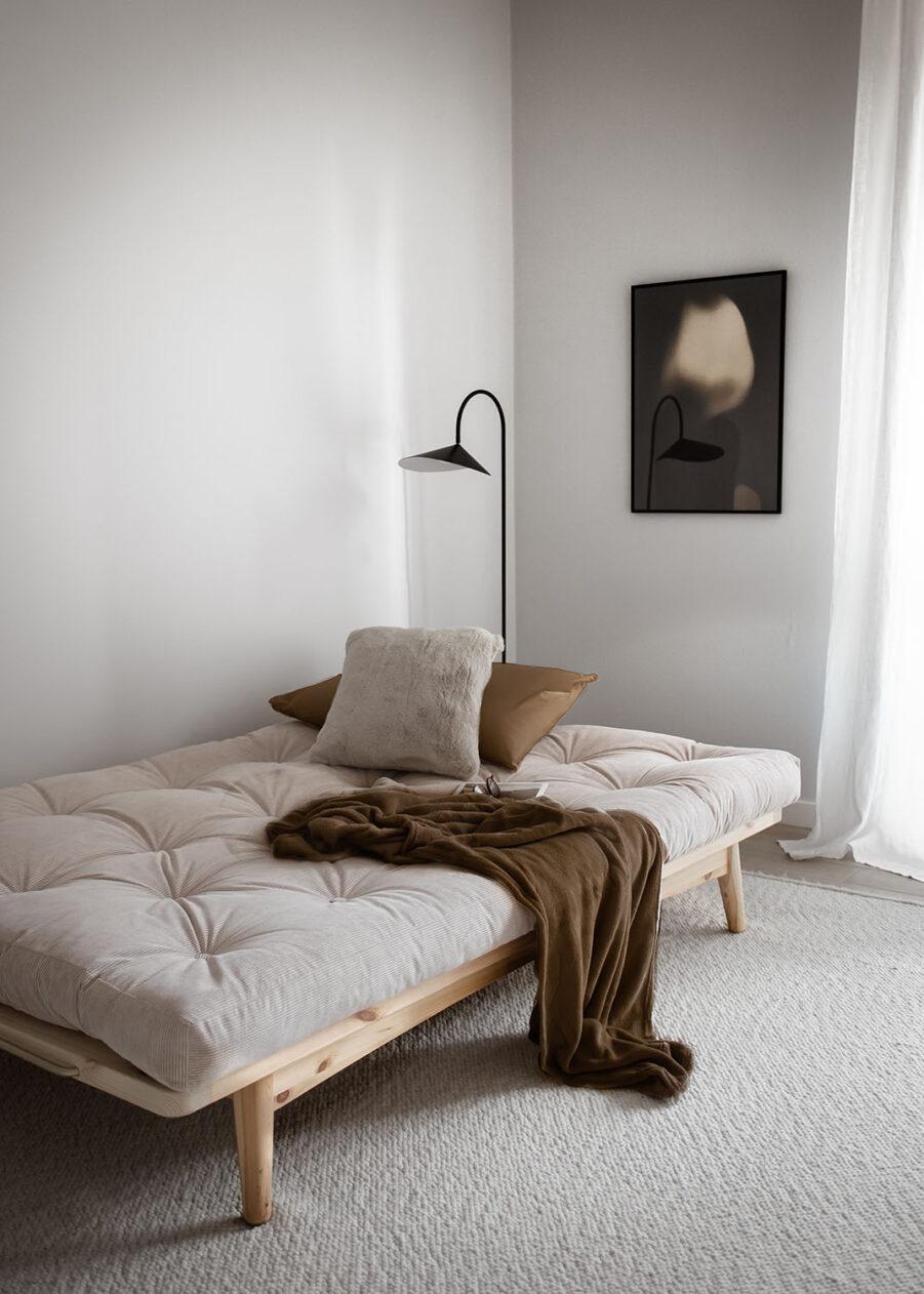 Närbild på soffan Folk från Karup Design.
