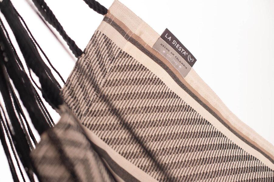 Närbild på Habana hänggunga i färgen Zebra.