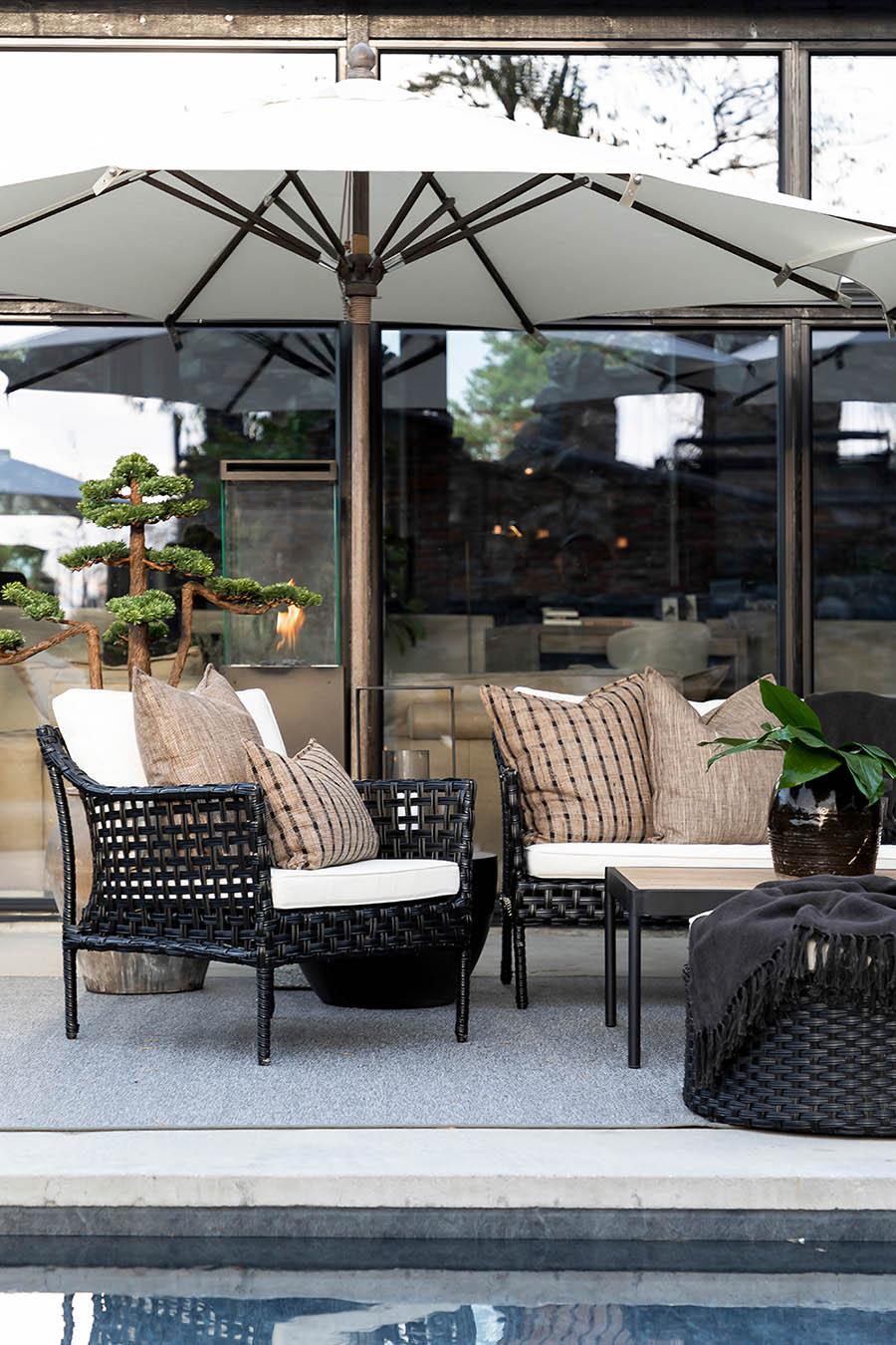 Artwood Santa Monica fåtölj classic black inkl. dyna