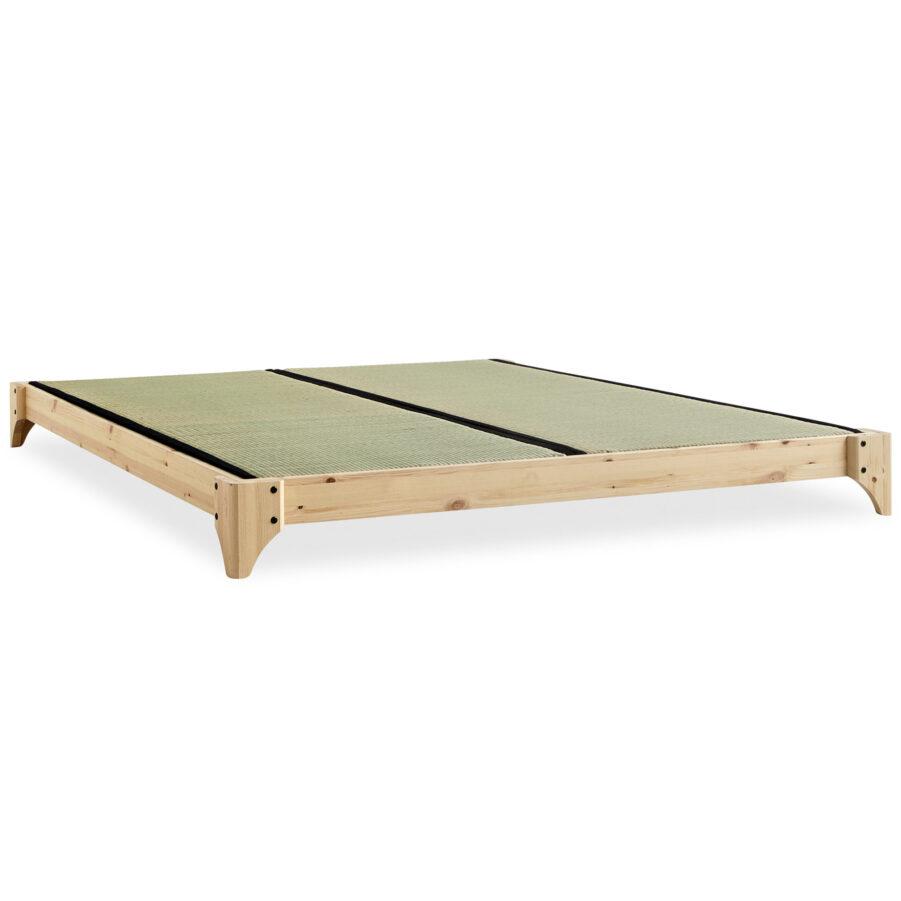 Elan säng i naturfärg med tatami-mattor.