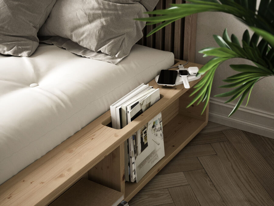 Miljöbild på Xiggy sängram i klarlackerad furu.