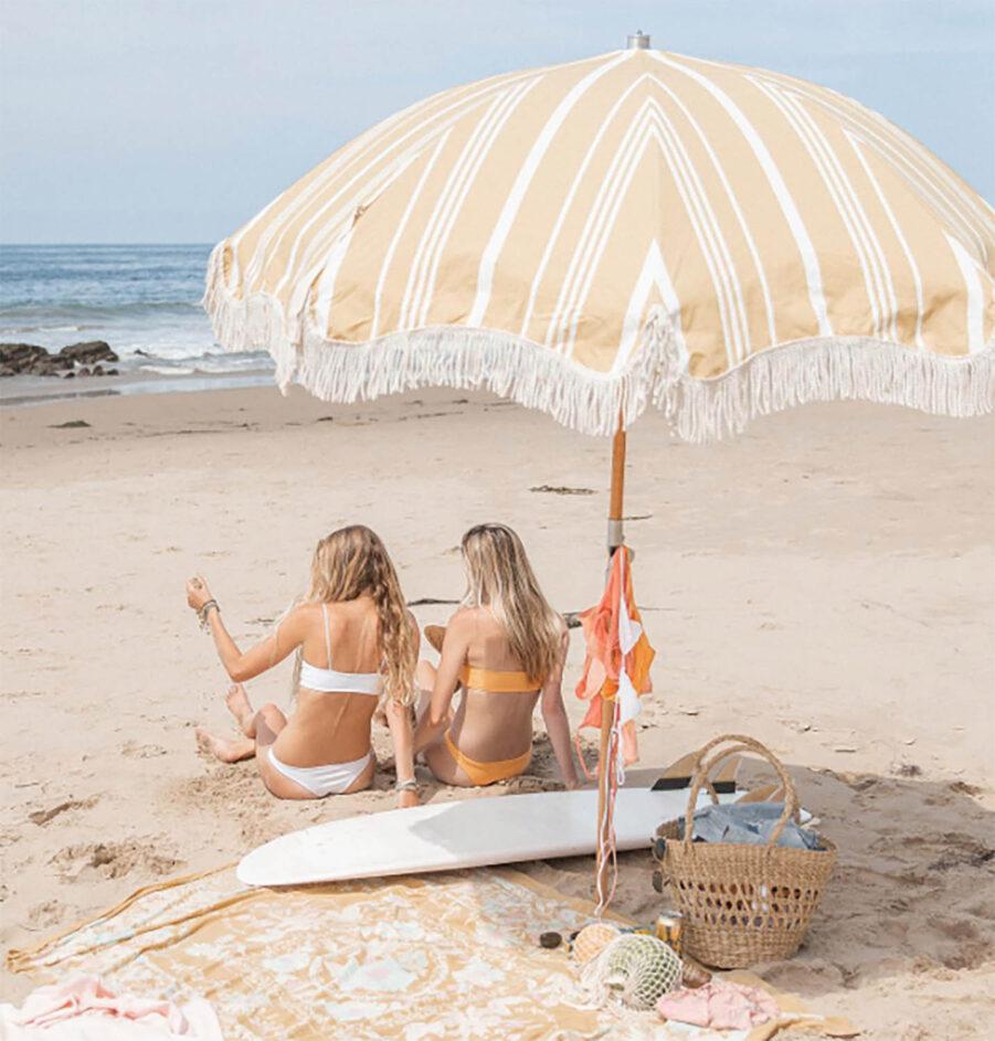 Premium strandparasoll vinBusiness and pleasure tage gulrandigt Ø180 cm