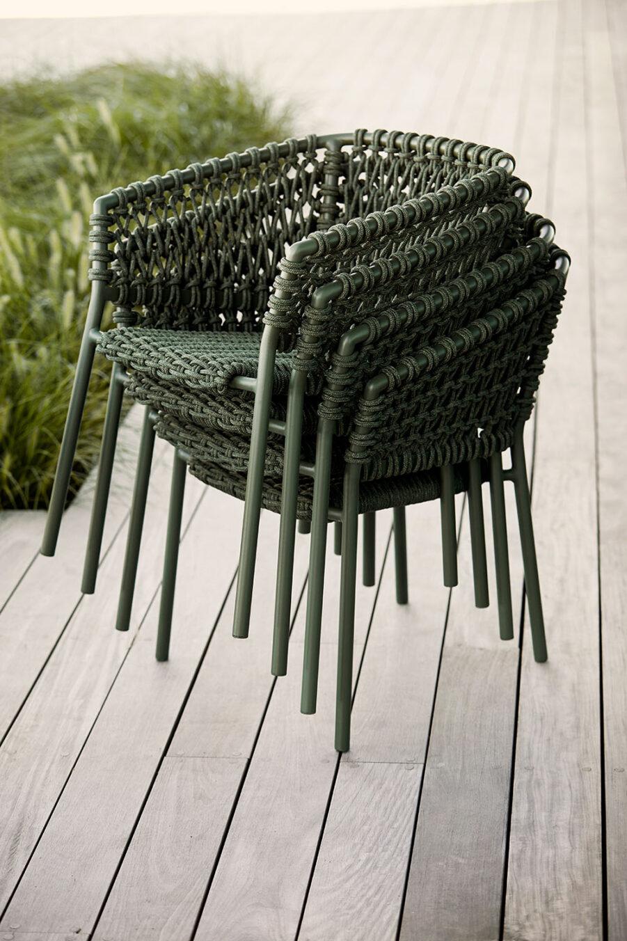 Bild på staplade Ocean karmstol i grönt.