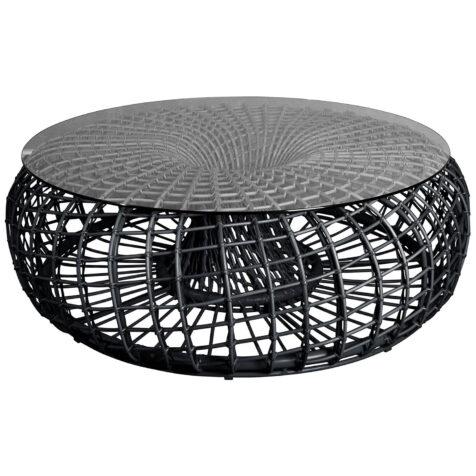 Nest soffbord med glasskiva.