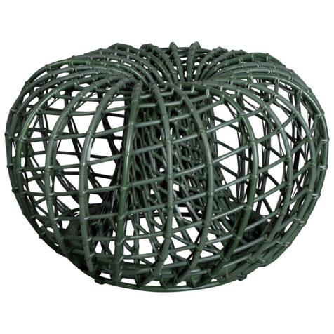 Nest pall i mörkgrönt.