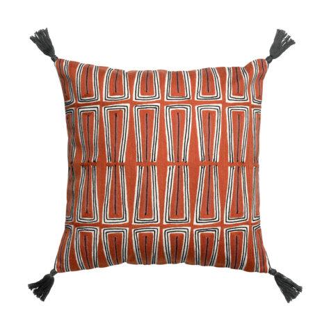 Kenza kudde med tofsar i mönstret rooibos.