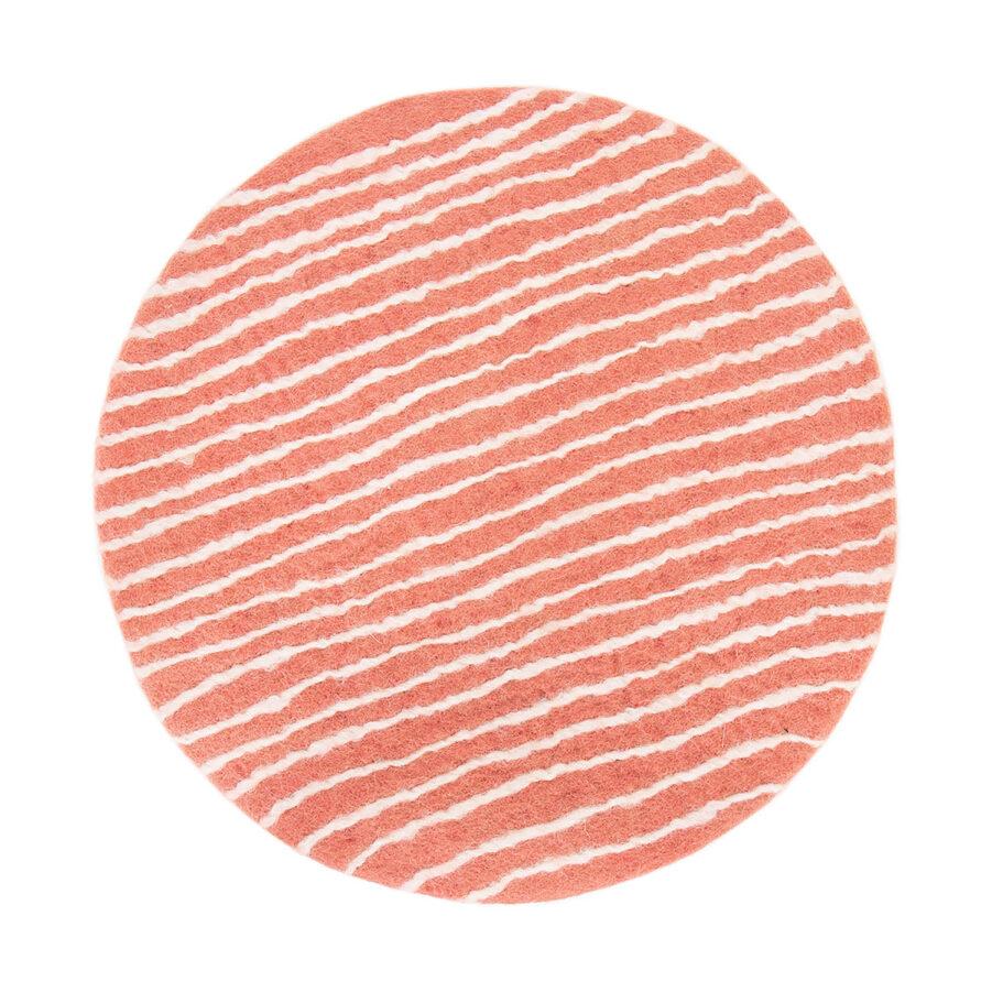 Felt Stripe sittdyna i rosa och vitt.