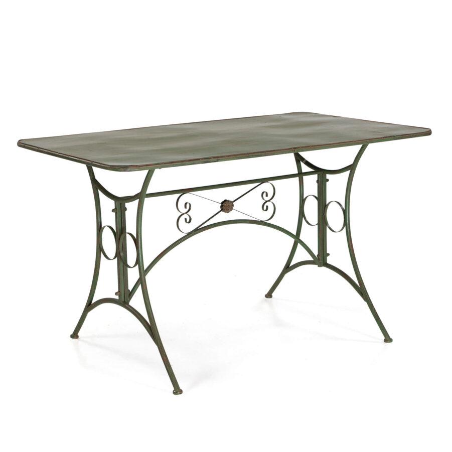Smidesbord från By Boysen i storlek 130x78 cm.