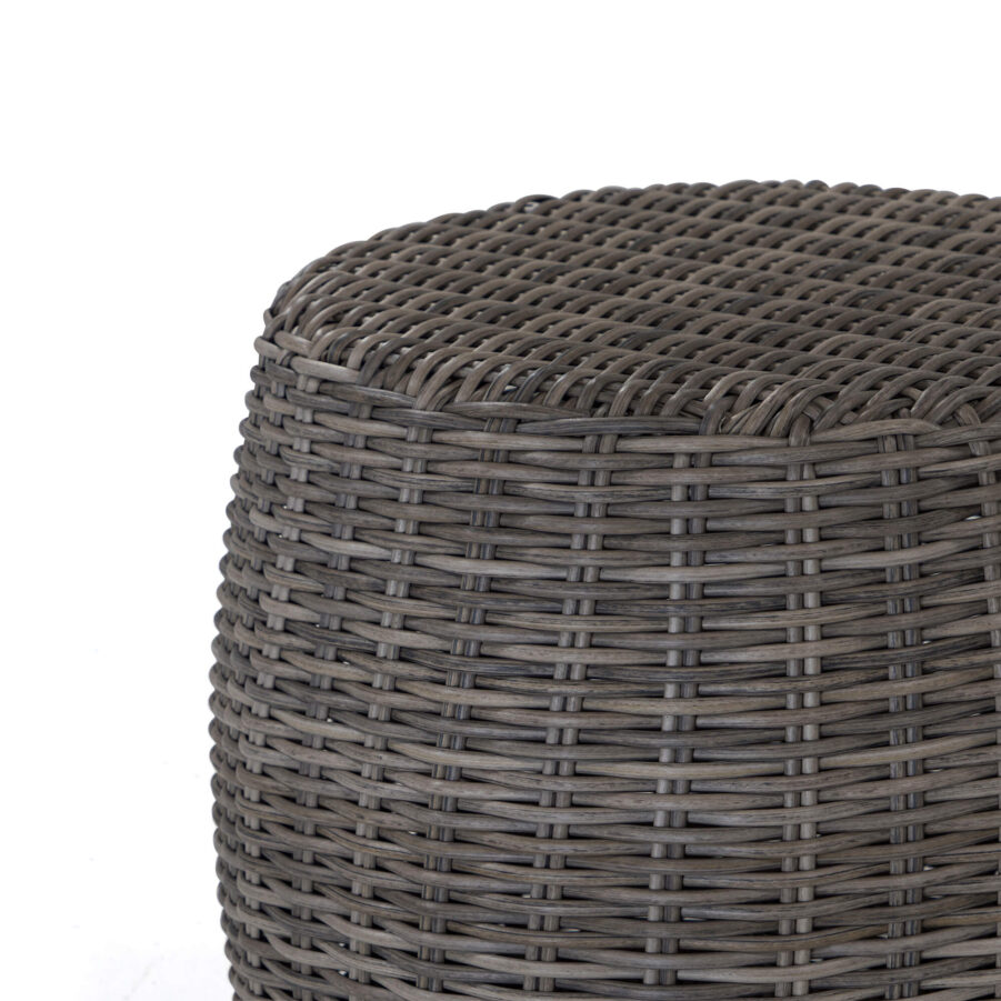 Detaljbild Marocco pall i drivvedsfärgad konstrotting.