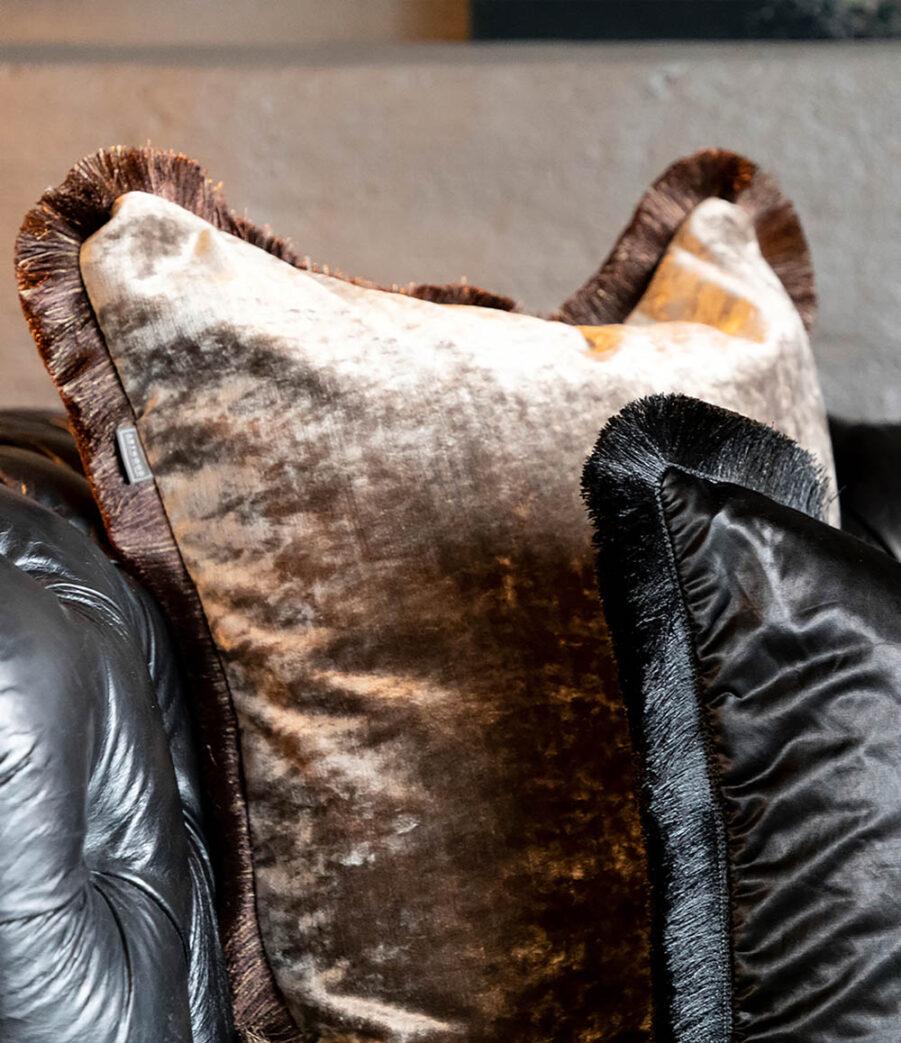 Artwood Garda Velvet kuddfodral med frans beige